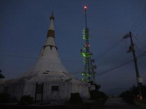 眉山の電波塔1
