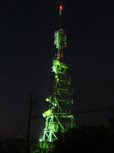眉山の電波塔3