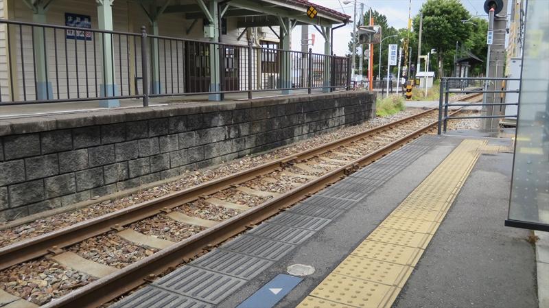 東岩瀬駅2
