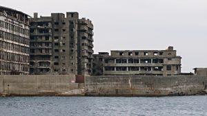 軍艦島のエックス階段